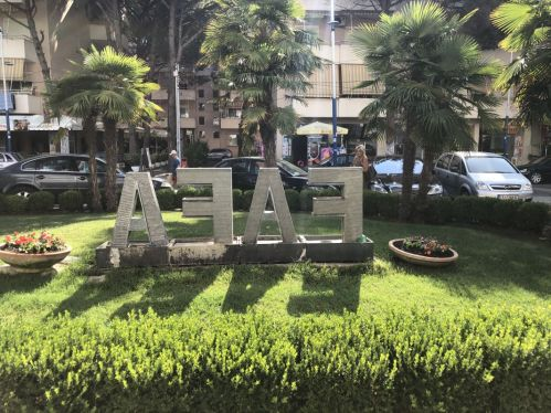 Fafa Premium Hotel Mali Robit