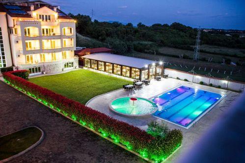 Hotel LLOLLA